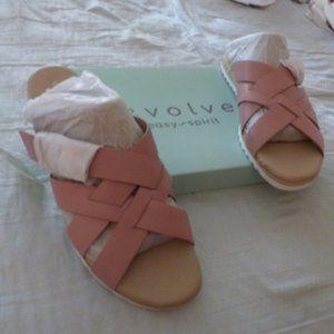 NWOT Easy Spirit Sandals